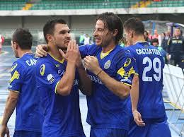 Bojinov con la maglia gialloblu dell'Hellas Verona, prima del passaggio a gennaio ai rivali del Vicenza