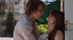 """i due giovani protagonisti di """"Ruby Sparks"""" in una scena romantica del film"""