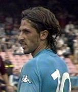 Nicola Corrent  con la storica maglia numero 10 del Napoli