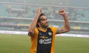Stagione monstre per Toni, a 38 anni capocannoniere assieme all'interista Icardi con 22 gol