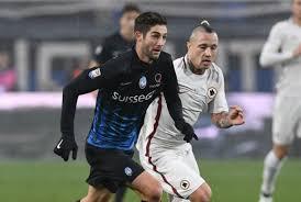 Gagliardini in un'azione contro la Roma. Una delle sue migliori prestazioni in serie A